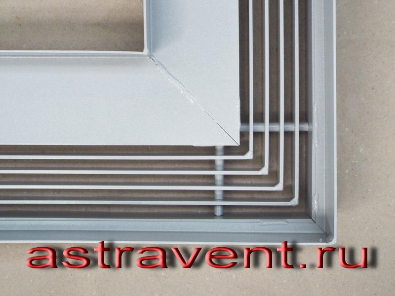 Astravent Slot вид на угол снизу